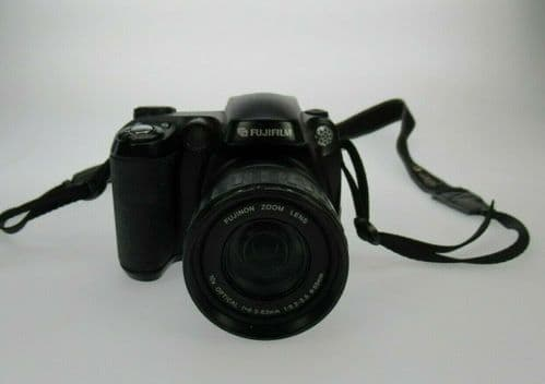 Fujifilm FinePix S5600 S Series 5.1MP 10x Optical Zoom Digital Bridge Camera